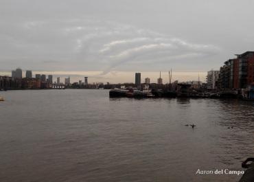 Canary Wharf al fondo.