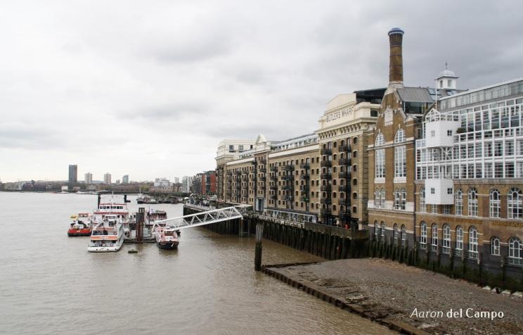 Las vistas a Butler's Wharf y Canary Wharf al fondo bien merecen una foto.